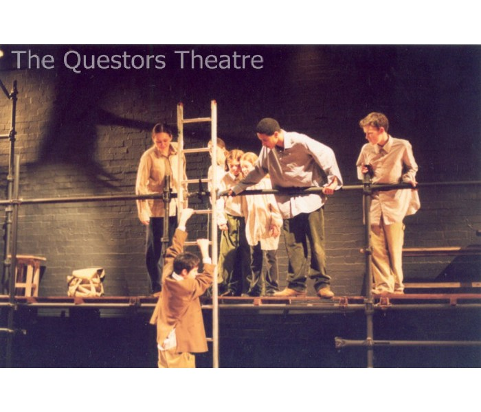 Jim Burke Ford >> The Questors Theatre Archive: The Chrysalids 2003